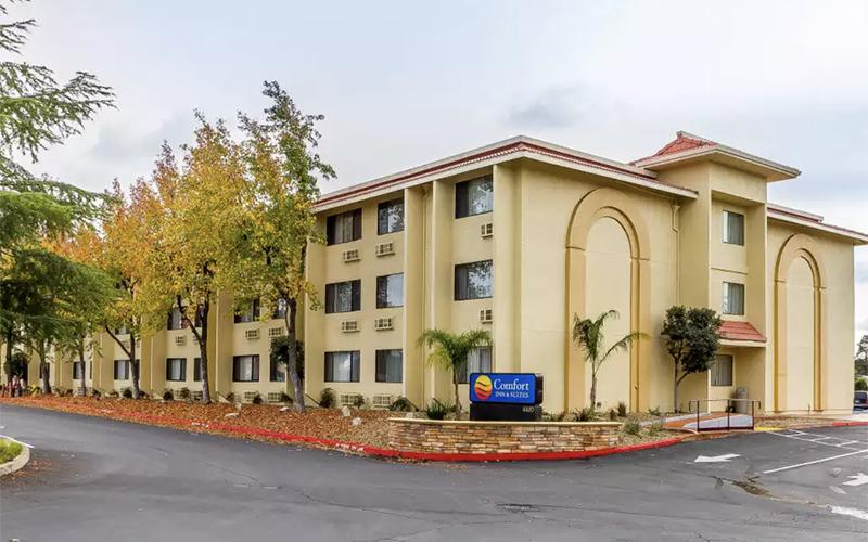 An external shot of Comfort Inn & Suites Rocklin-Roseville, a three-story, mid-scale hotel located in Rocklin, CA