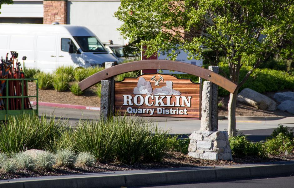 photo of Rocklin Quarry District sign