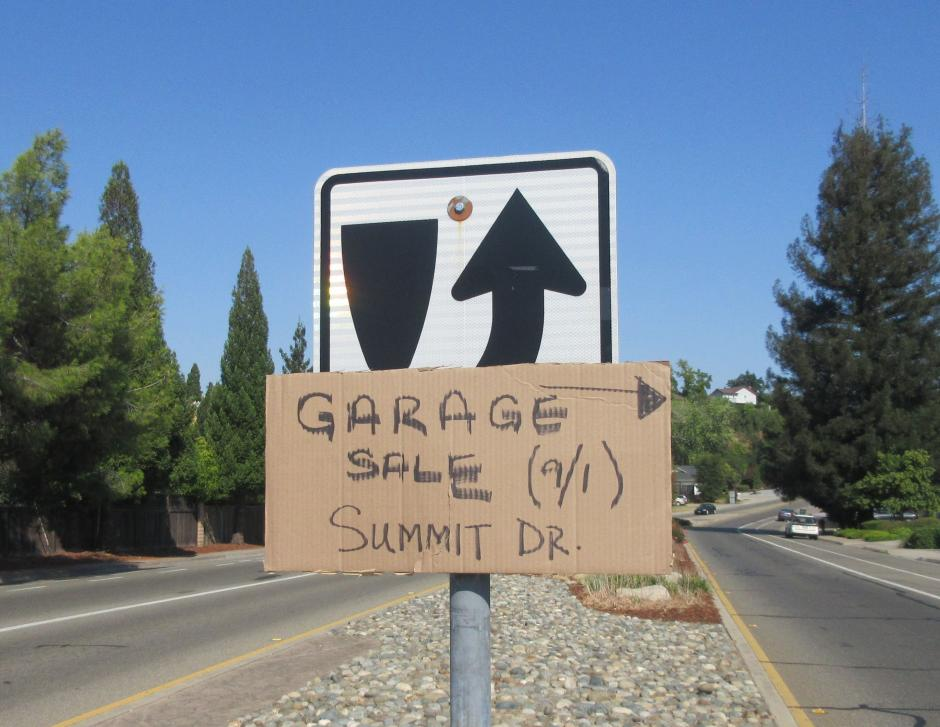 Illegal garage sale sign